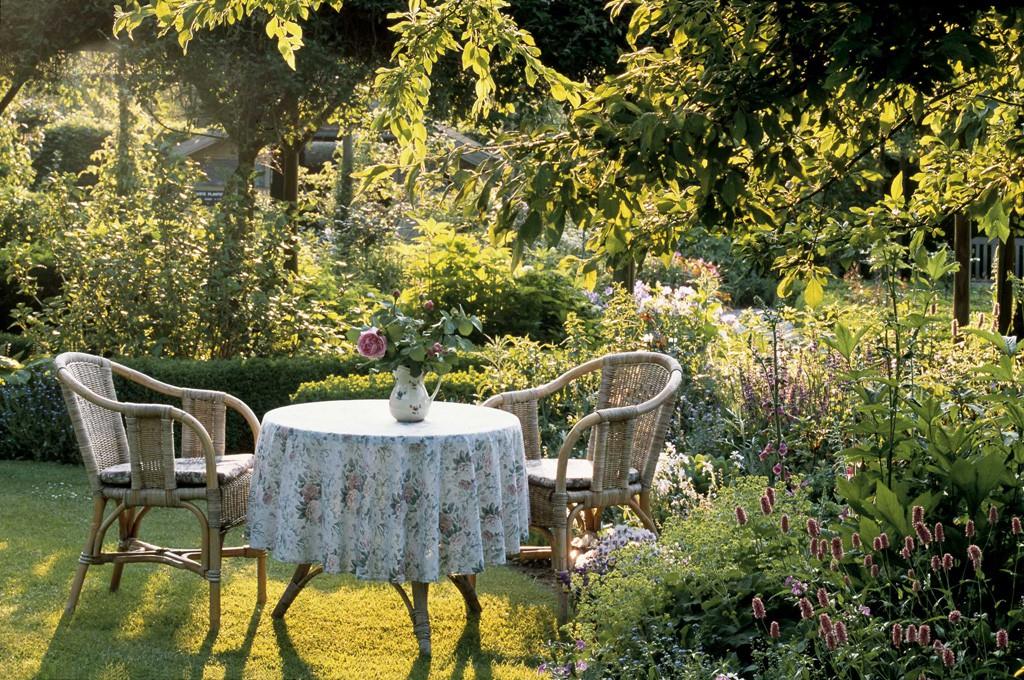 Romantische g rten gartenzauber for Kleinen vorgarten pflegeleicht gestalten