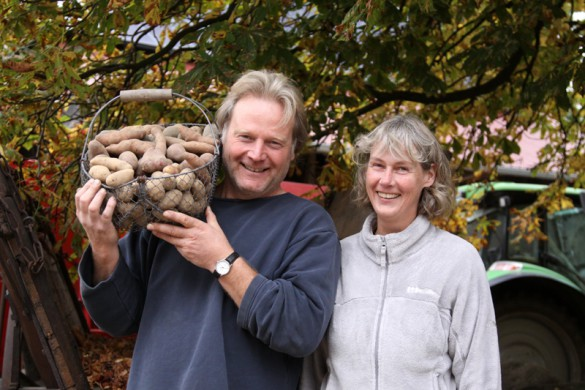 Petra und Karsten Ellenberg kämpfen mit Erfolg für die Vielfalt. Auf ihrem Hof gedeihen die vielen alten Kartoffelsorten prächtig.