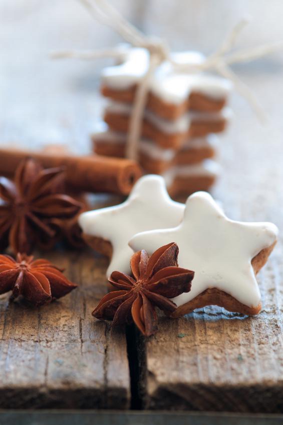 Sterne auf Holz