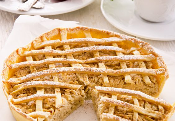 apple pie one the white plate